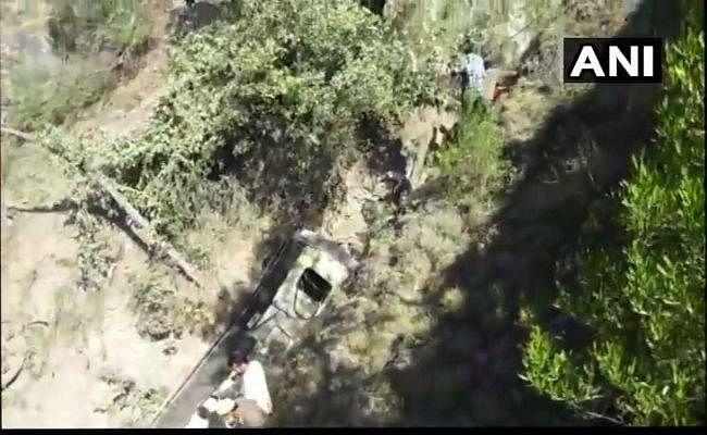 जम्मू-कश्मीर में सेना का वाहन पलटा, 13 जवान जख्मी