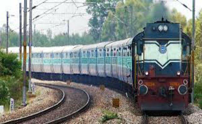 चक्रवाती तूफान ''तितली'' के मद्देनजर 11-12 अक्टूबर को होने वाली रेलवे भर्ती बोर्ड की परीक्षा रद्द