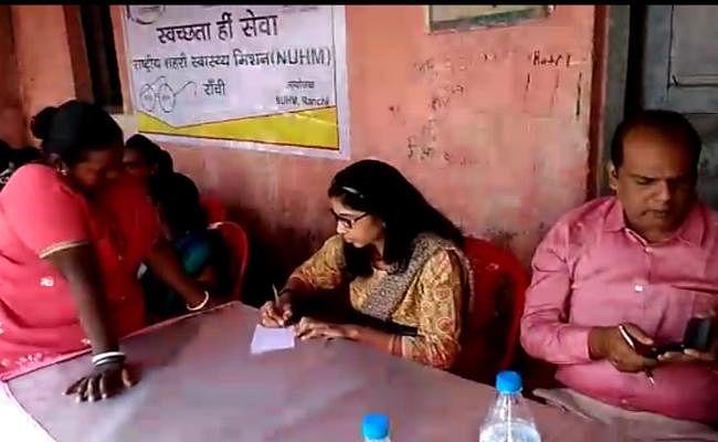 Ranchi : जहरीली शराब के श्राप से हातमा बस्ती को मुक्त कराने की सकारात्मक पहल