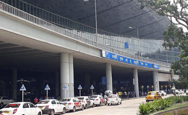 कोलकाता एयरपोर्ट से बांग्लादेशी नागरिक गिरफ्तार, फर्जीवाड़ा करके बनाया था भारतीय पासपोर्ट