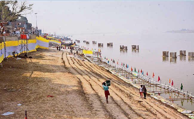पटना : 25 किमी लंबा तैयार हुआ गंगा का घाट, 25 लाख से अधिक लोग कर सकेंगे पूजा