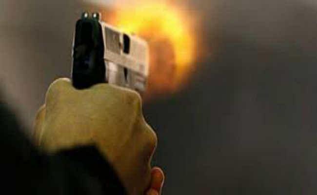 वर्चस्व को लेकर राजधानी पटना में दो गुट के बीच  गोलीबारी, दो जख्मी