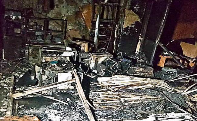 रांची : पुलिस मुख्यालय में आग लगने से कंप्यूटर जला, बचे आइजी-डीआइजी
