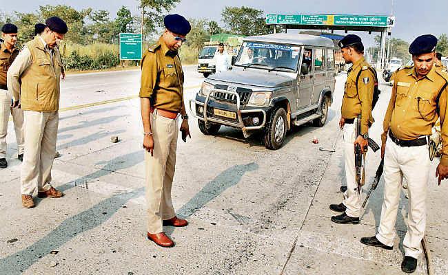 मुजफ्फरपुर से कैश लेकर जा रही बोलेरो को रोककर लूटपाट, गार्ड को गोली मारकर 52 लाख की लूट