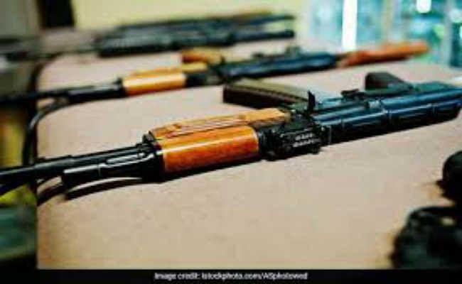 भागलपुर जोन के कई पुलिसकर्मियों ने करायी है एके-47 की डील