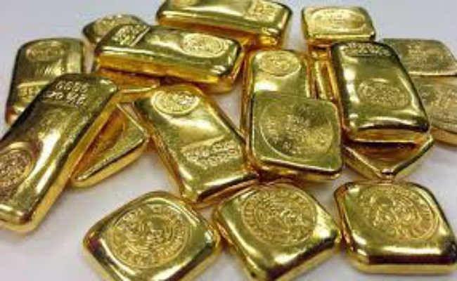 मलद्वार में छुपा कर ला रहे थे 37 लाख का सोना, दो गिरफ्तार