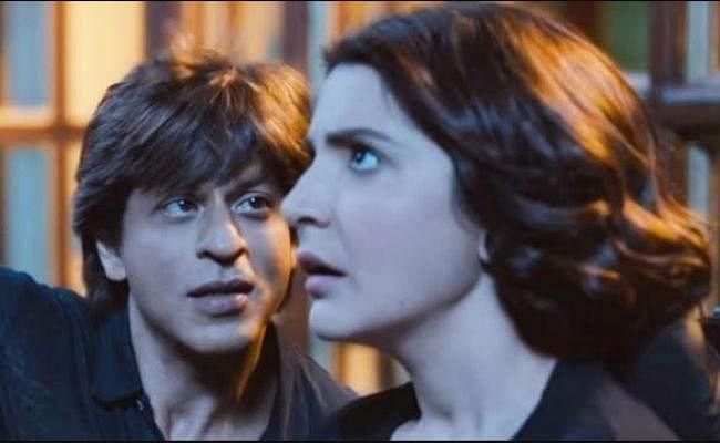 मुंबई के फिल्म सिटी में ''जीरो'' के सेट पर लगी आग, शाहरुख खान भी थे मौजूद
