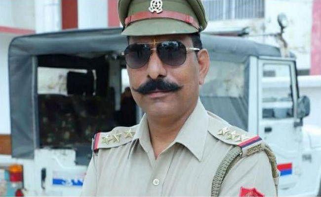 बुलंदशहर हिंसा में शहीद इंस्पेक्टर सुबोध के परिजनों को पुलिसकर्मी देंगे एक दिन का वेतन