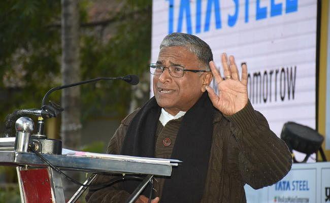 Jharkhand Literary Meet 2018 में बोले हरिवंश, गांधी जरूरी हैं, हमारी मजबूरी हैं