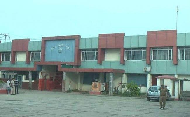 सुबह-सुबह बिहार के जेलों में छापेमारी, मिले गांजा समेत कई आपत्तिजनक सामान