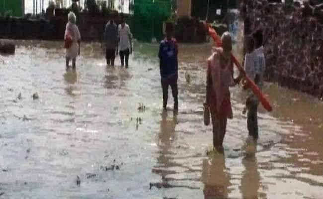 दुर्गापुर :  बारिश से जन जीवन हुआ अस्त व्यस्त
