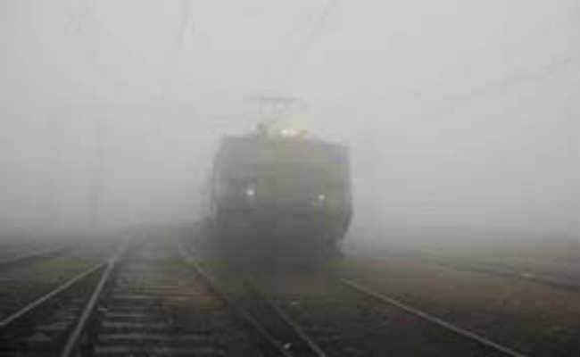 कोहरे की मार : पांच ट्रेन रद्द, कई री-शिड्यूल