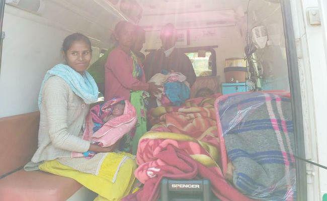 थ्री इडिएट की तर्ज पर भुरसाबेड़ा की प्रसूता ने एंबुलेंस में ही दो बच्चों को दिया जन्म