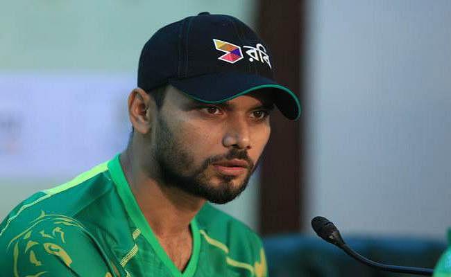 बांग्लादेश के वनडे कप्तान मशरफे मुर्तजा की आम चुनाव में भारी जीत