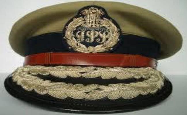 UP में 26 वरिष्ठ IPS अफसरों का तबादला, जानें कौन कहा गया