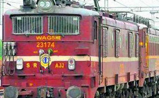 इस बार गर्मी छुट्टी में नहीं होगी रेलगाड़ी में भीड़, 52 समर स्पेशल ट्रेनें चलायेगा भारतीय रेलवे