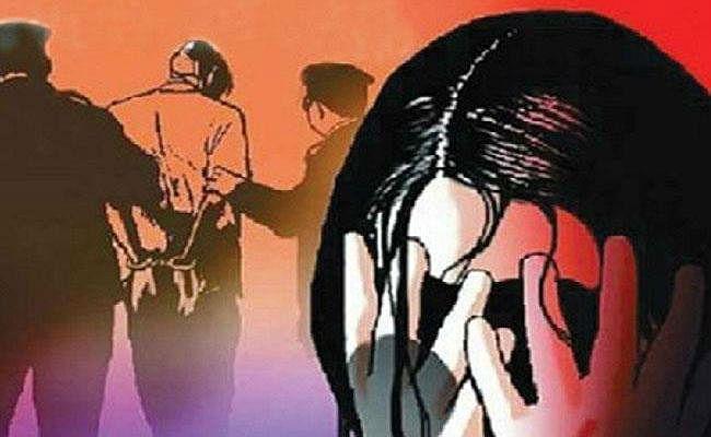 बिहार : हबीबपुर में दो बच्चे की मां के साथ किया दुष्कर्म, लोगों ने पीटकर किया पुलिस के हवाले