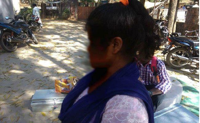 झारखंड : गुमला की नाबालिग लीला की दु:ख भरी कहानी,  शादी का भय, दलाल और पुलिस का चक्कर