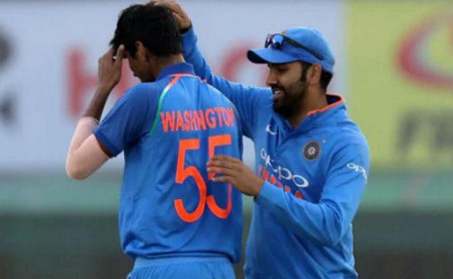 सुंदर का अनोखा रिकॉर्ड, 4 टी-20 में 5 विकेट, 4 श्रीलंका के खिलाफ, 3 बार कुसाल को बनाया शिकार