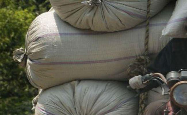 गरीबों के अनाज पर डाका, एसएफसी अंबेराडीह से सिसई भींगे चावल की हुई सप्लाई