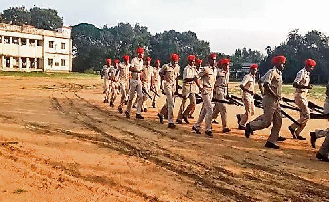 Sarkari Naukri : 551 सिपाहियों की नियुक्ति के लिए आज से आवेदन, इन डिग्रीधारियों के लिए भी मौका...