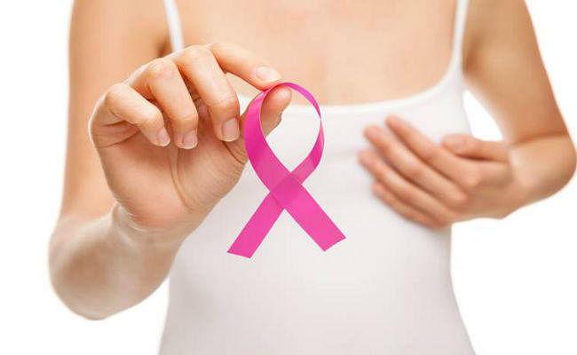 इलाज महंगा होने के कारण स्तन कैंसर का इलाज देरी से कराती हैं भारतीय महिलाएं