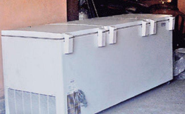 कोलकाता : पेंशन के लालच में बेटे ने मां के शव को तीन साल तक फ्रिज में रखा
