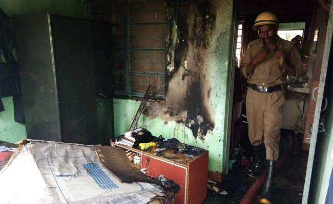 बोकारो : सेक्टर 12 के एक क्वार्टर में लगी आग, दमकल ने पाया काबू