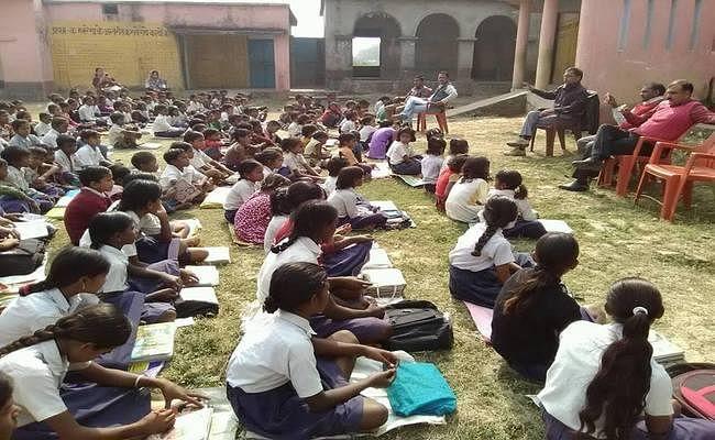 अब सभी कोटि के शिक्षकों को हर महीने मिलेगा वेतन, सरकार ने बनाया यह नया नियम, जानें