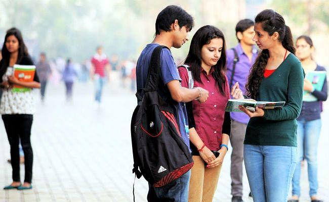 इंजीनियरिंग कॉलेज को नहीं मिल रहा है छात्र, AICTE कम करेगी 1.36 लाख सीटें