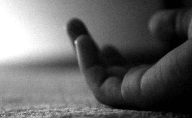 Lockdown in UP: गांव गया पति लॉकडाउन में फंस गया, नहीं लौटने पर महिला ने की खुदकुशी