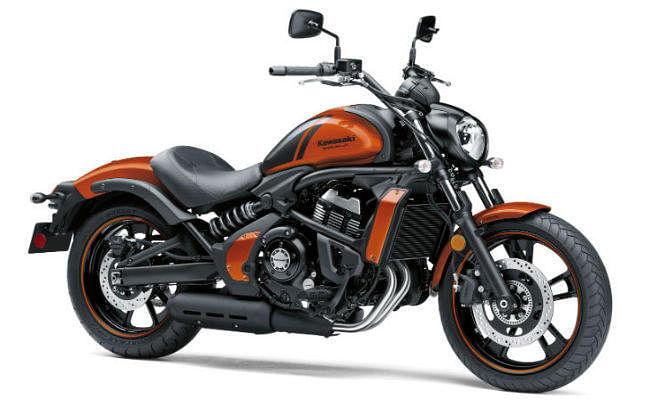 Pearl Lava Orange कलर वेरिएंट में Kawasaki लायी क्रूजर बाइक Vulcan S, यहां जानें खूबियां...!