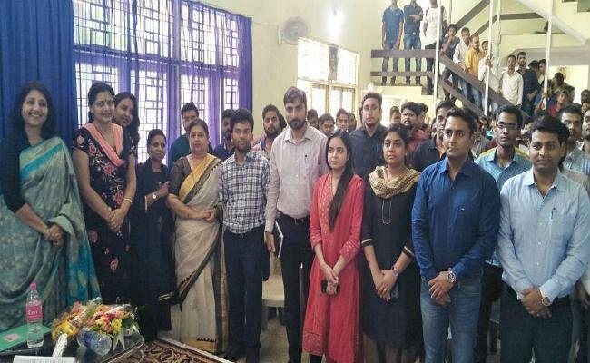 प्रशिक्षु IAS अधिकारियों ने बांटे सफलता के गुर, कामायाबी के लिए तनावमुक्त होकर करें तैयारी