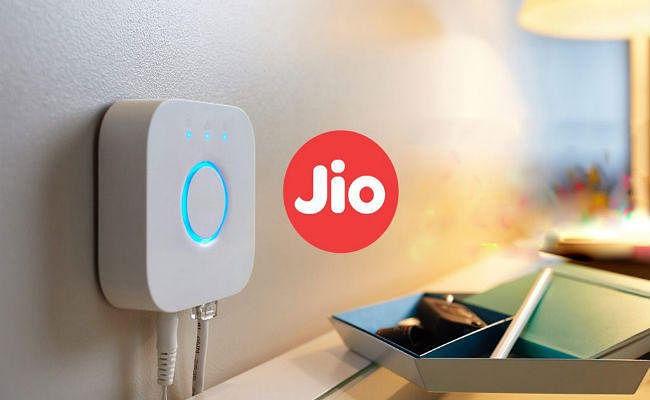 JIO मुफ्त में दे रहा 1100 GB डेटा, जानें OFFER डीटेल्स