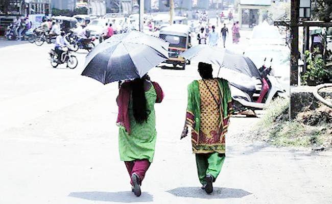 Bengal Weather Forecast Update : बंगाल में मौसम ने ली करवट, अगले 72 घंटे में तीन डिग्री तक चढ़ सकता है पारा