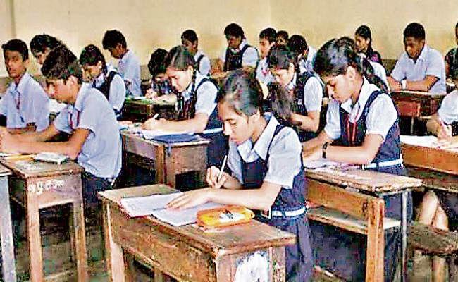 Schools Reopen : 1 सितंबर से खुल जाएंगे स्कूल ? अभिभावक असमंजस में, रो रहे हैं बच्चे