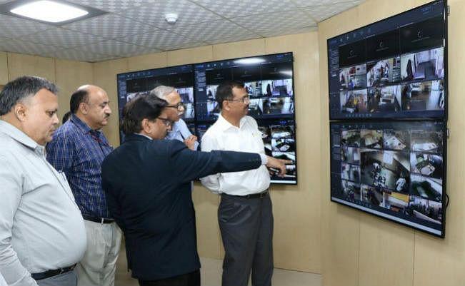 रेलवे में शुद्ध भोजन के लिए आर्टिफिशियल इंटेलिजेंस का होगा प्रयोग, कैमरों से होगी किचन की निगरानी