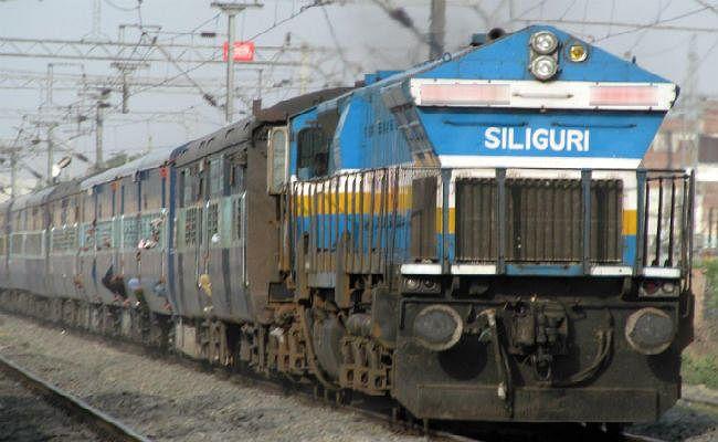 स्पेशल ट्रेन से यात्रा के दौरान चेनपुलिंग कर उतरना पड़ा महंगा, बच्चे और पत्नी संग मजदूर गिरफ्तार