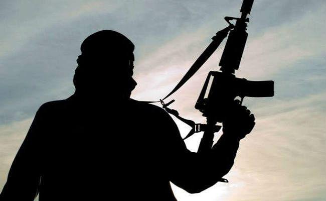 जम्मू कश्मीर में सरकारी कर्मचारी समेत लश्कर के मददगार 3 आतंकी गिरफ्तार, टेरर मॉड्यूल का चला पता