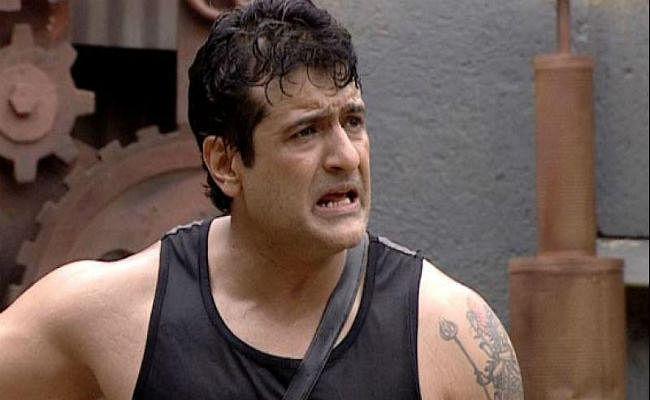 Girl Friend से मारपीट कर बुरे फंसे अभिनेता अरमान कोहली, मुंबई पुलिस के लिए बने WANTED