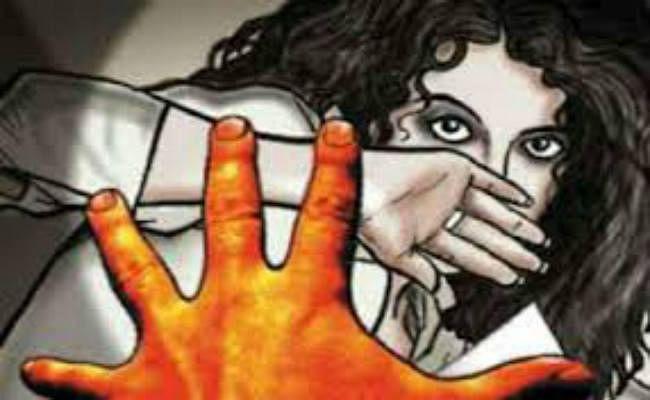 किशोरी से सामूहिक दुष्कर्म, एक गिरफ्तार