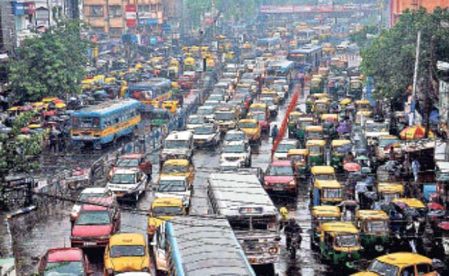 दक्षिण बंगाल में झमाझम बारिश, बिजली गिरने से पांच की मौत