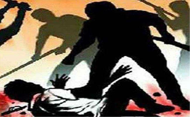 भोजपुर : 5 हजार रुपये नहीं देने पर पुलिसवालों ने ट्रक ड्राइवर का सिर फोड़