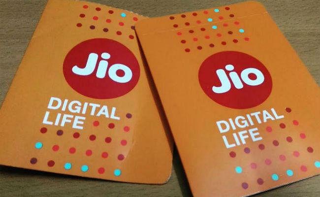 JIO 25GB Offer: जियो-फेसबुक 6 माह तक फ्री दे रहे 25 जीबी डेली डेटा! जानें पूरी बात