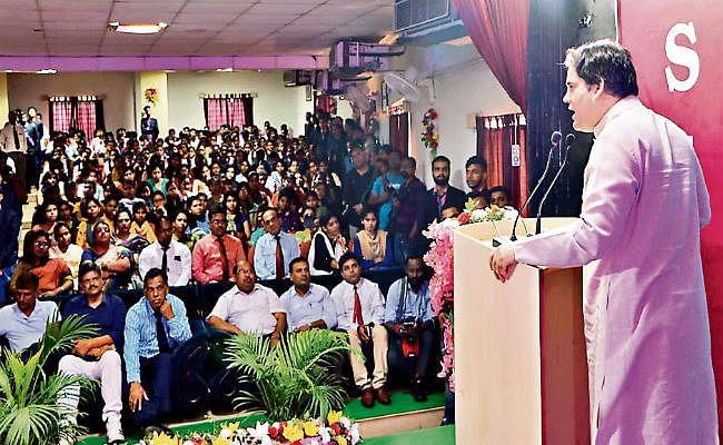 जमशेदपुर : एक फीसदी लोगों के पास है देश की 60 फीसदी संपत्ति : वरुण गांधी
