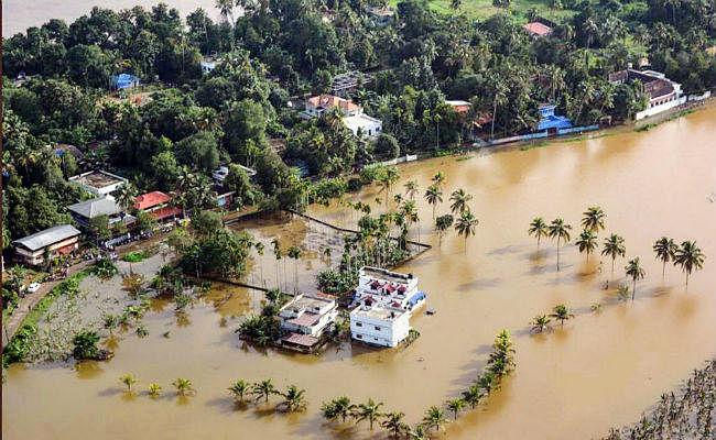 राजनाथ सिंह ने किया बाढ़ प्रभावित केरल का दौरा - NDRF ने बीमार बच्ची को बचाया, वीडियो वायरल