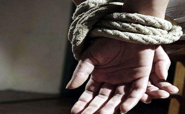 Jharkhand News : बिकने से बचीं पूर्वी सिंहभूम की चार लड़कियां, काम दिलाने के लिए तस्कर ले जा रहा था दिल्ली