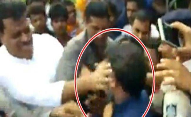VIDEO : कांग्रेस विधायक उमंग सिंघार ने भाजपा नेता को जड़ा तमाचा, वीडियो वायरल