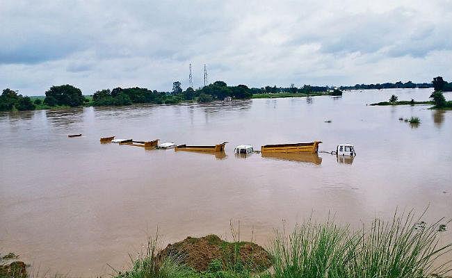 बिहार में बाढ़ के हालात यथावत, गंगा 146, कोसी 174 सेमी लाल निशान के पार