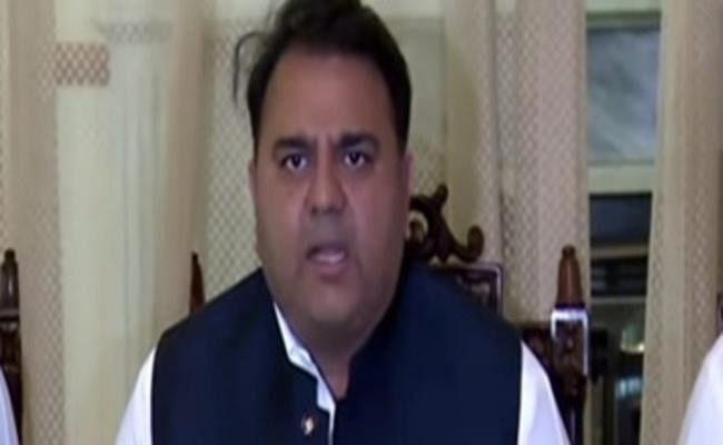 पाकिस्तान के संचार मंत्री ने कहा - सिख तीर्थयात्री बगैर वीजा कर सकेंगे करतारपुर गुरुद्वारा की यात्रा